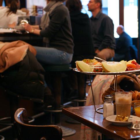 hamburg fr hst ck caf paris schiffsmeldungen. Black Bedroom Furniture Sets. Home Design Ideas