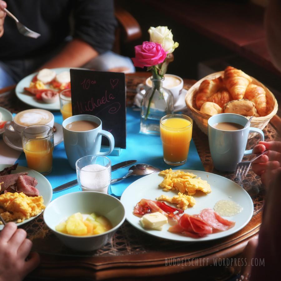 Wochenende. Hamburg. Frühstück! – Schiffsmeldungen